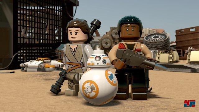 Rey, Finn und BB-8 machen auch als Bauklötze eine gute Figur.